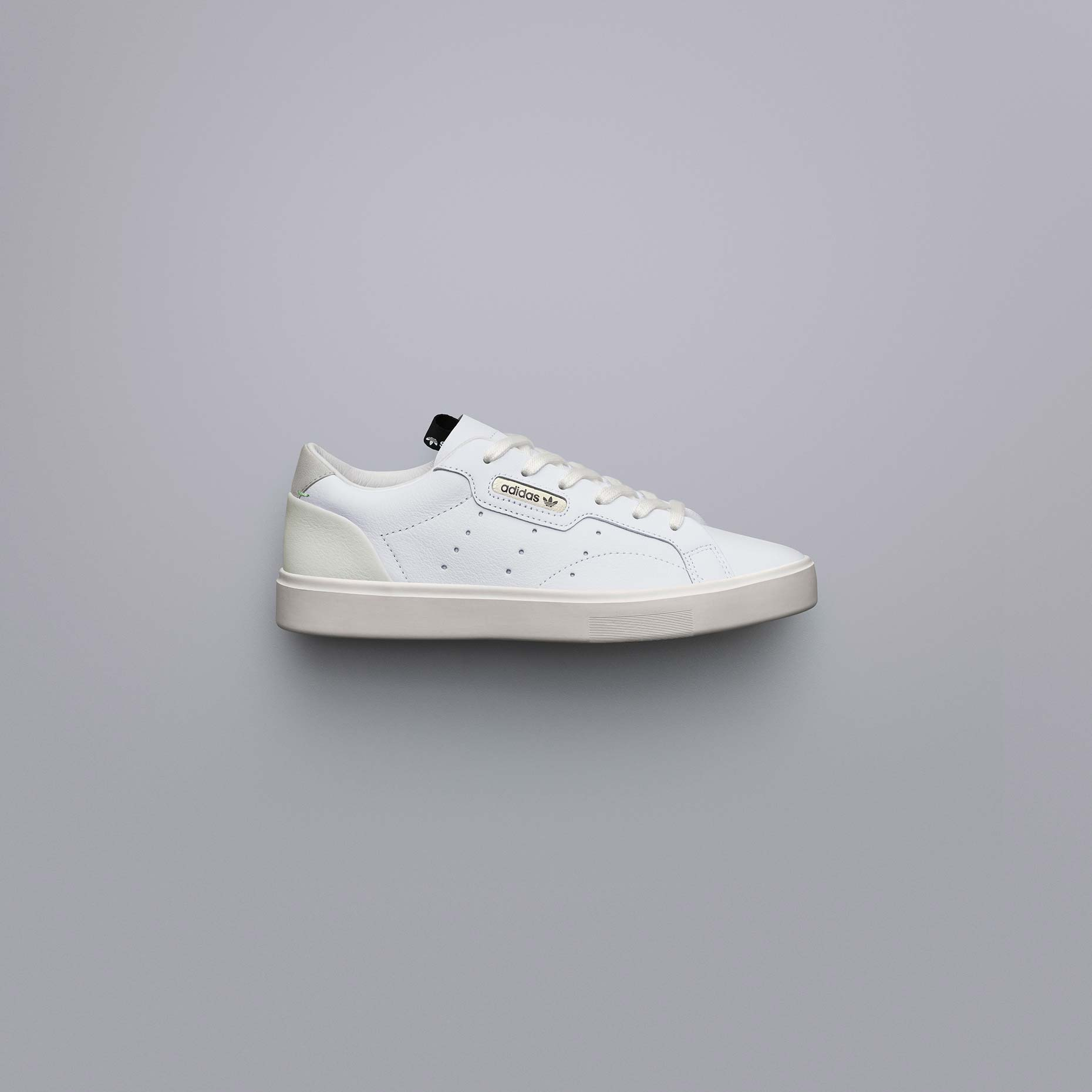adidasOriginals_SS19_Sleek_SleekW_CG6199_01_Angle_COMP_c